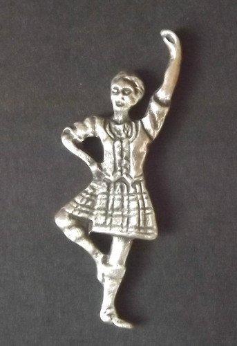 Highland Écossais danseuse–Badge en étain massif main au Royaume-Uni