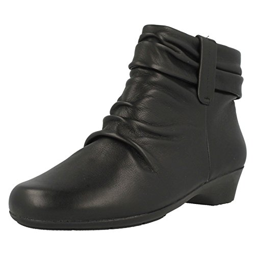 CLARKS Clarks Womens Boot Matron Ella Black Leather 4.5 EE