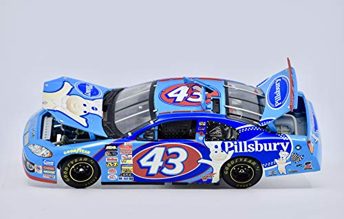 2003 - Team Caliber Preferred/NASCAR - Richard Petty #43 - Pillsbury - Dodge Intrepid - 1:24 Scale Die Cast - COA - Mint - Rare - Collectible