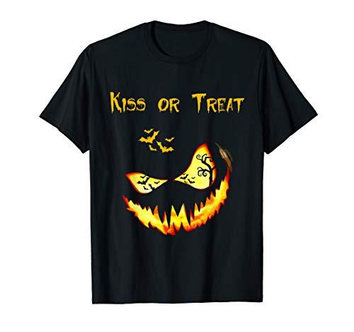 Halloween Shirt Kiss or Treat Halloween Pumpkin T-Shirt -