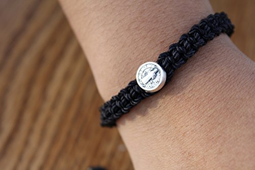 Handmade black Saint Benedict bracelet. Pulsera de San Benit