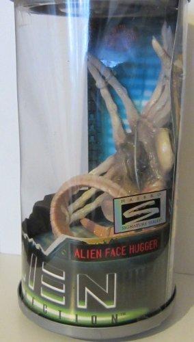 Kenner 27891 1997 Alien Resurrection Alien Face Hugger Movie Edtion