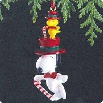 Hallmark Keepsake Ornament Snoopy and Woodstock 1989