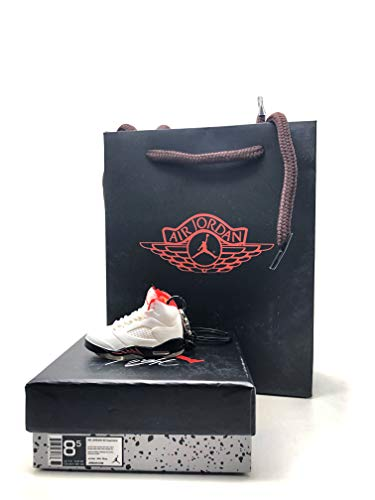a55b5e2768b91 CPS 3D Basketball Keychains Sneakers Shoes Bred AJ5 V Keyring with Box White