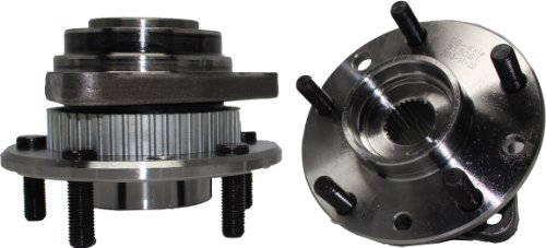 (Detroit Axle - New Set Both (2) Complete Driver & Passenger Front Wheel Hub and Bearing Assembly for Chevrolet and GMC - 4x4)