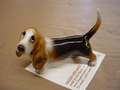 Hagen Renaker Basset Hound Figurine