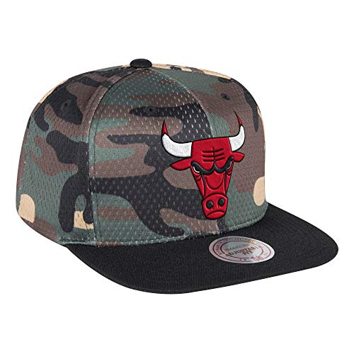 f92dc94e8a6a4 Chicago Bulls Camouflage Caps