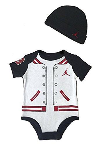 sale retailer 2a5df 4bdd9 Nike Michael Jordan neonato Infant Body e Cap 2 pezzi Set 03 mesi di Nike  Amazon.it Prima infanzia