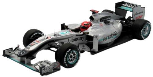 Minichamps 1/18 Michael Schumacher #3 Petronas/Mercedes GP F1 Team 2010 MGP W01