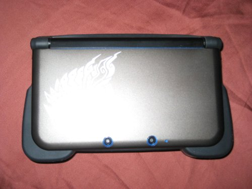 Nintendo 3DS XL – Blue/Black with Mario Kart 7 Pre-Installed