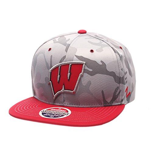 NCAA Wisconsin Badgers Adult Men's Brigade Snapback Hat, Adjustable Size, Gray Camo/Team Color (Wisconsin Camo Badgers)