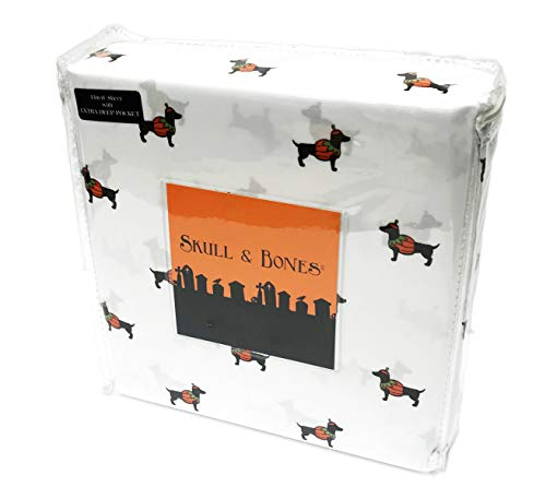 Skull & Bones Cute Festive Dachshund Dogs in Pumpkin Costumes Happy Halloween Bedroom Sheet Set (Queen) ()