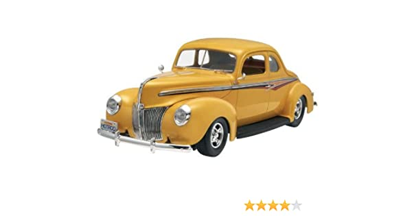 Amazon.com: 1/25 1940 Ford Coupe Street Rod: Toys & Games