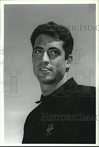 - Vintage Photos 1993 Press Photo US Olympic Gold Medal Swimmer Matt Biondi Poses for Photo