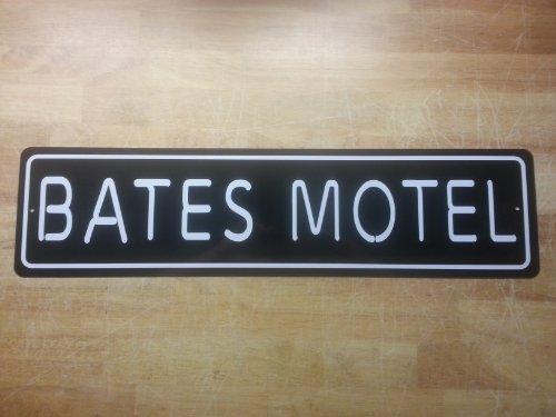 Bates Motel Sign (BATES MOTEL 6