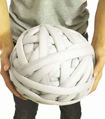 Wholesale Super Chunky Vegan Yarn, Acrylic Bulky Thick Roving Washable Softee Chunky Yarn for Arm Knitting DIY Handmade Blankets (Grey, 120m)