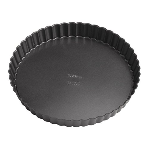 Wilton Perfect Results Premium Non-Stick Bakeware Round Tart and Quiche Pans, Sunday Brunch May Never be the Same Again, Fluted Edges Add a Touch of Flair, 9-Inch -
