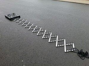 Army Road Block Straßensperre Krähenfüße Nagelsperre Polizei Strassensperre Nagelkette Nagel Sperre
