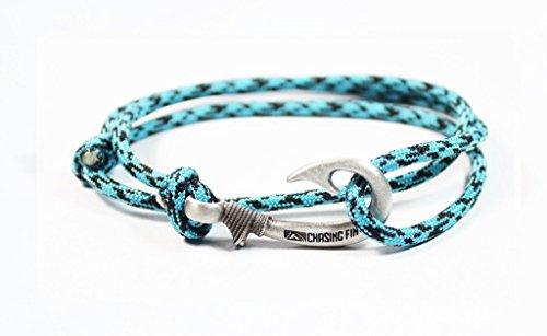 (Chasing Fin Adjustable Bracelet 550 Military Paracord with Fish Hook Pendant, Turquoise Camo)