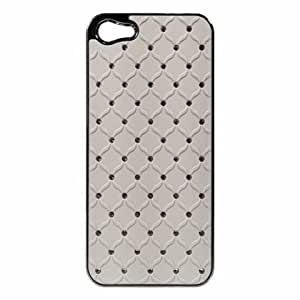 WHITE Studded Diamond Hard Plastic Chrome Rear Cover Case for Apple iPhone 5 [In Twisted Tech Retail Packaging]