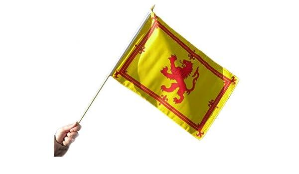 Bandera de Escocia mano – León Rampant escocés (Robert the Bruce escudo de armas) bandera – Scottish partidarios/independencia bandera – Alta calidad mano saludando bandera (18