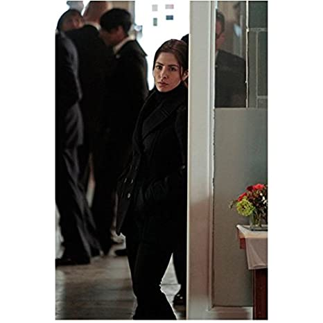 Person of Interest Sarah Shahi as Sameen Shaw Leaning Against Doorway 8 x  10 inch photo