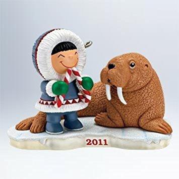 Hallmark Frosty Friends #32 2011 Ornament