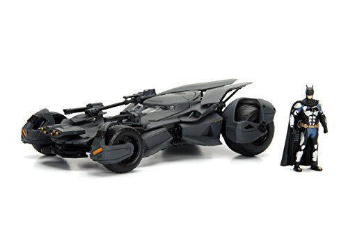 "Jada Toys DC Comics Justice League Batmobile Die-cast Car, 1:24 Scale Vehicle & 2.75"" Batman Collectible Figurine 100% Metal 99232 from Jada Toys"