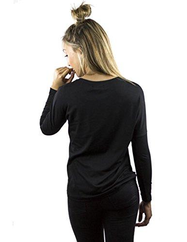 Camiseta de manga larga, inspirada en Frida Kahlo. Diseño exclusivo Diversos matices de verde combinados con negro