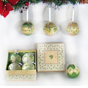 Irish Christmas Ornaments Shamrock Baubles Boxed Set of 4 ()