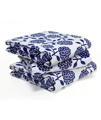 Dandi 8 Seater Oilcloth Tablecloth, Hydrangea Navy by Dandi (Image #1)