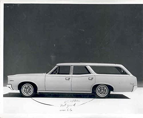 Amazon Com 1966 Pontiac Tempest Station Wagon Photo Poster Entertainment Collectibles