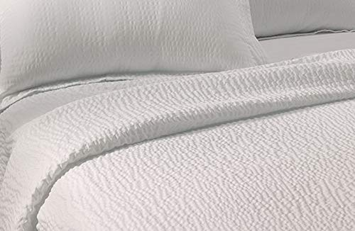 (Lightweight Coverlet - White Rippled Texture - Exclusive to Courtyard Hotels, Fairfield by Marriott and Residence Inn)