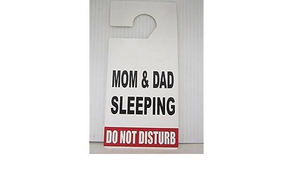 Amazon.com: Door Hanger Do Not Disturb Mom & Dad Sleeping: Kitchen & Dining