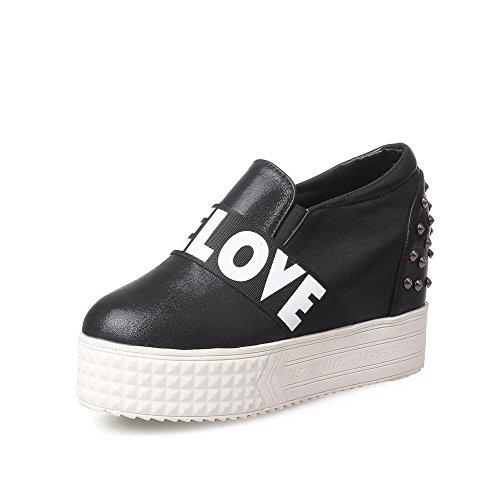 AllhqFashion Damen PU Hoher Absatz Rund Zehe Gemischte Farbe Ziehen auf Pumps Schuhe Schwarz