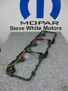 amazon com dodge cummins diesel pass thru valve cover gasket mopar rh amazon com 2001 Dodge Ram Valve Cover John Deere Valve Cover