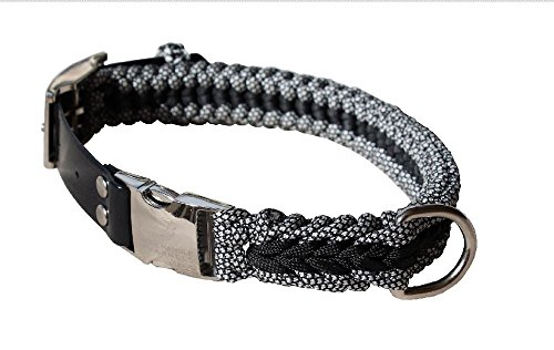 Extra Strong Paracord Dog Collar for Large Dogs. Heavy-Duty Clasp and Buckle. Adjusts from 17in to 21in Circumference - Black with Black & White Camo Color