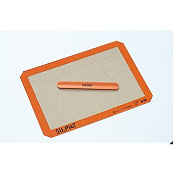 Amazon Com Silpat Silicone Baking Mat With Storage Band