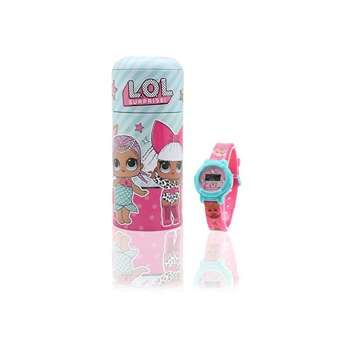 416P2lS7DgL CON TUS MUÑECAS FAVORITAS: Este reloj de las muñecas LOL Surprise tiene las imagines de las muñecas favoritas de tu hija, incluso Queen Bee, Merbaby, MC Swag y Fancy CAJA REUTILIZABLE: Nuestro reloj de las LOL glam glitter está en una caja que puede ser reutilizada como alcancía o como caja para las joyas de tu hija EDICIÓN LIMITADA: Solo tenemos un número limitado de piezas de estos reloj infantil Lol Surprise Dolls, ordene ahora para evitar decepciones. Solo 1 compra por cliente