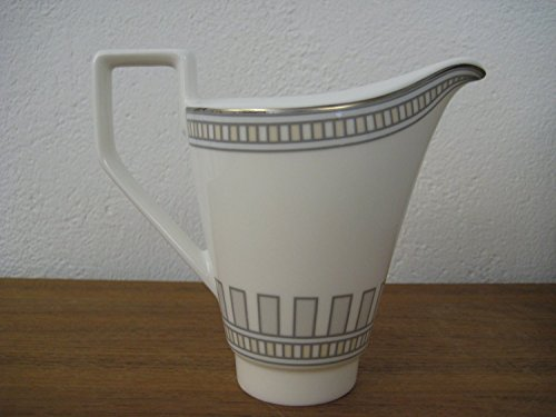 - Villeroy & Boch 0.19 Litre Premium Bone Porcelain La Classica Contura Creamer for 6 Persons, White