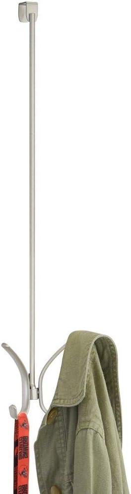 mDesign Juego de 2 colgadores para puerta Percheros de puerta con 4 ganchos cada uno para pasillos o cuartos de ba/ño etc Cuelga ropa para abrigos gris chaquetas sombreros toallas