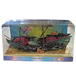 Penn Plax Shipwreck Aquarium Decoration Ornament with Moving Masts, Lifeboat, and Bubble Action
