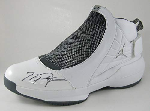 Autographed Michael Jordan Nike Air Jordan Autographed Signed Shoe Xix 13.5 PSA/DNA Verified ()