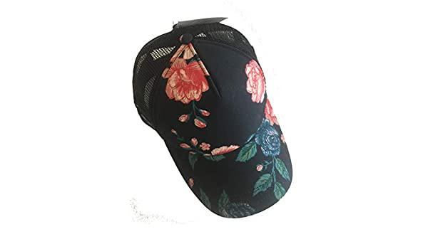 d07e93db40 Vans Beach Girl Pink Winter Bloom Floral Snapback Hat Trucker Cap Women s  Sport at Amazon Women s Clothing store