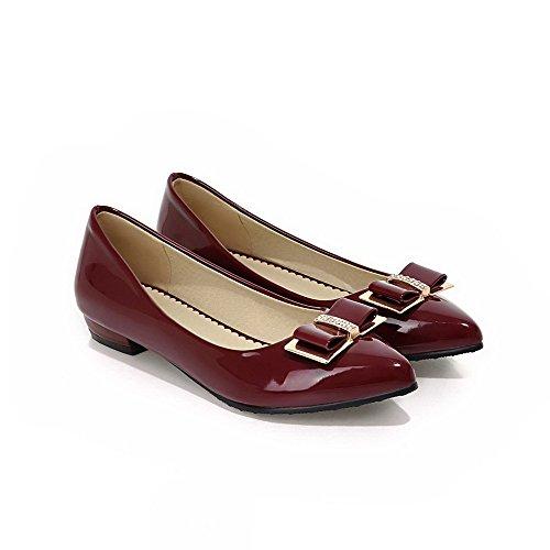AllhqFashion Damen Spitz Zehe Ziehen auf PU Leder Rein Niedriger Absatz Pumps Schuhe Weinrot