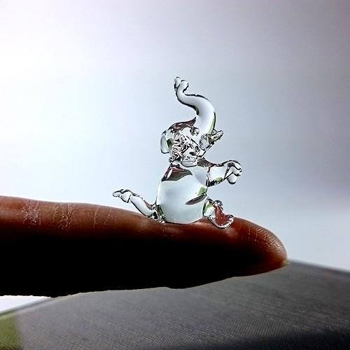Sansukjai Rare Elephant Sit Tiny Micro Crystal Figurines Hand Blown Clear Glass Art Wild Animals Collectible Gift Home Decor