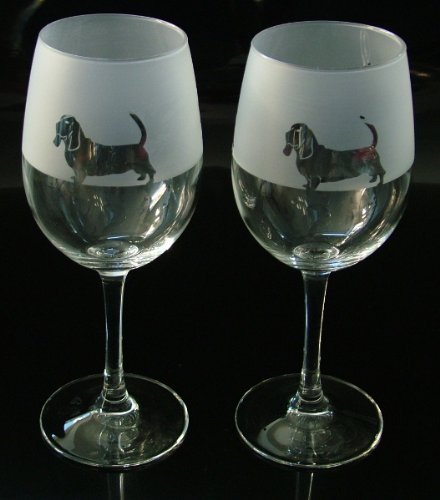 Bassett Hound dog gift wine glasses Glass in the forest