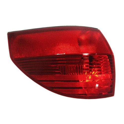 TOYOTA VAN SIENNA TAIL LIGHT LEFT (DRIVER SIDE) (ON SIDE P 2004-2005