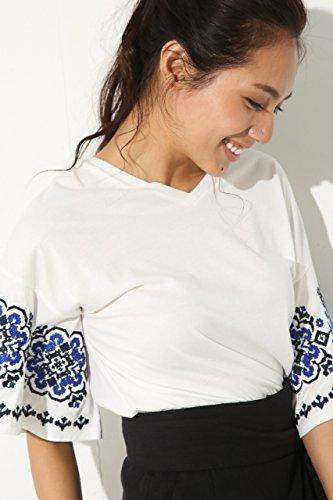 指令前件場合(アズールバイマウジー) AZUL by moussy 【AZUL by moussy】フレア袖刺繍VネックTEE