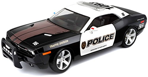 Maisto 1:18 Special Edition 2006 Dodge Challenger Concept